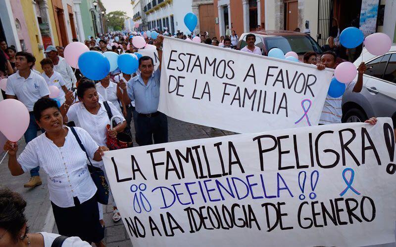Marcha por la familia México